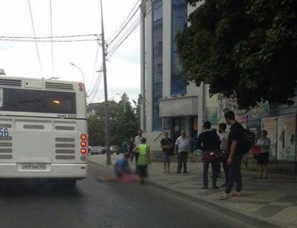 Автобус сбил женщину около вокзала «Краснодар-1»