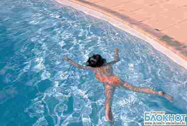 В Абинском районе девочка утонула в бассейне