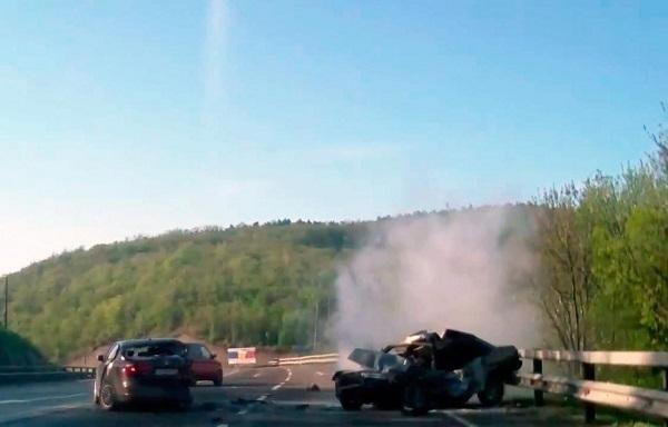 На Кубани при столкновении иномарки и «девяносто девятой» погибли два человека