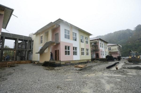 Кондратьев поселит детей у мэра Сочи дома, если он не достроит детский сад