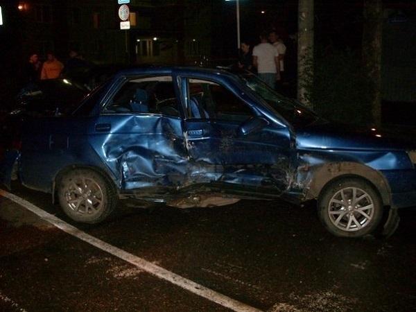 В Краснодаре в ДТП тяжело пострадали два человека