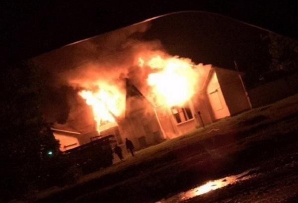 ВГорячем Ключе сгорело офисное сооружение