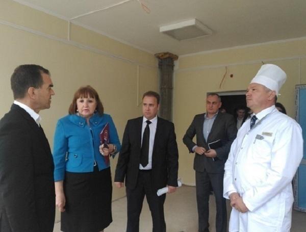 Кондратьев назвал больницу в Тбилисской «памятником распилу бюджета»