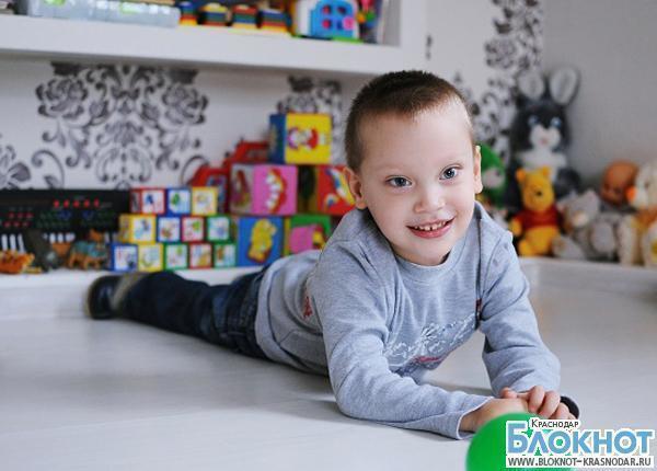 Жителей Кубани просят помочь тяжелобольному ребенку