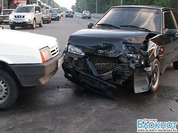 В Славянске-на-Кубани в результате аварии пострадали двое