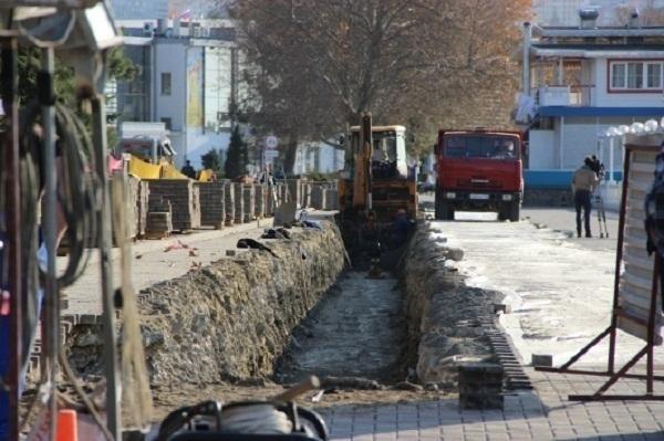К курортному сезону в Геленджике модернизируют ливневые стоки