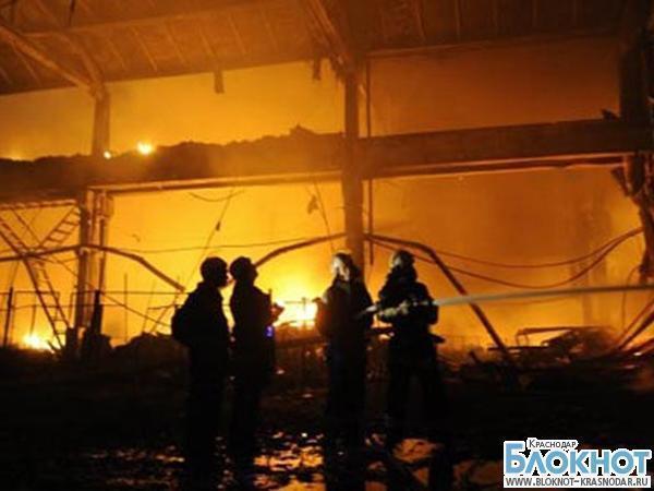 В Краснодаре ликвидирован крупный пожар возле аэропорта