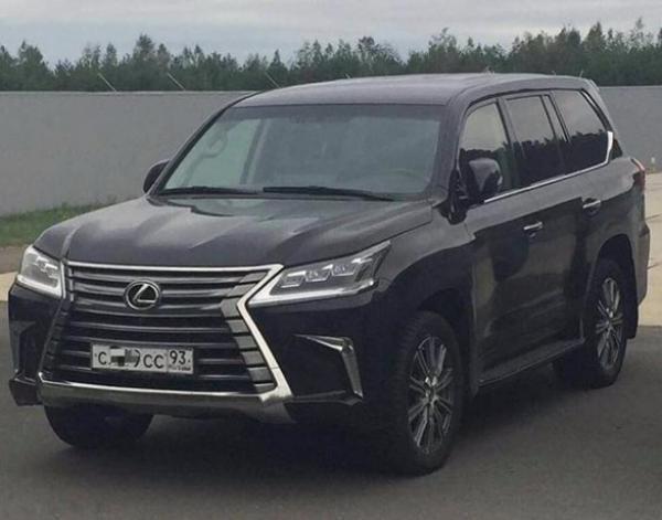 ВКраснодаре угнали «Лексус» за6 млн руб.