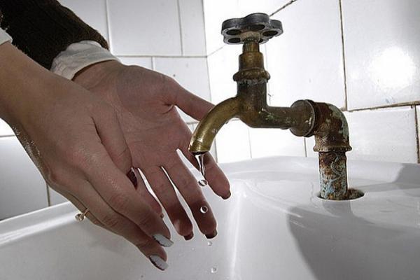 Из-за очередных аварий в Сочи остались без воды школы, детсады и поликлиники