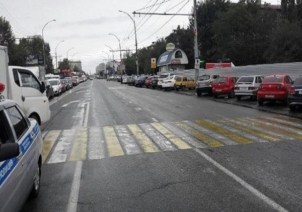 ВКраснодаре иностранная машина сбила женщину с малышом наруках