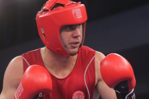 Боксер Евгений Тищенко вышел вфинал Рио