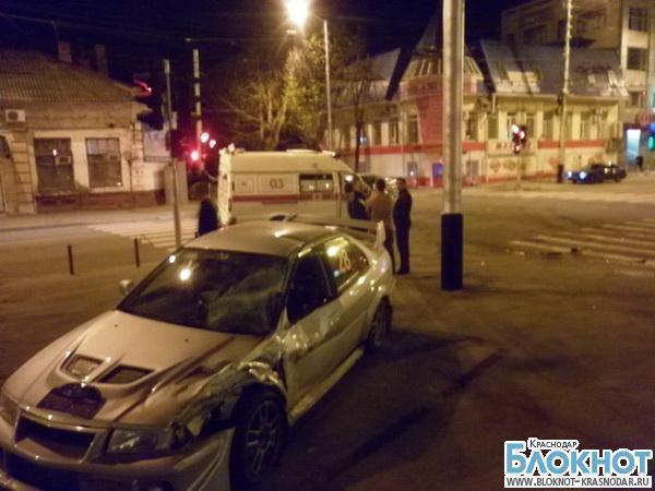 В Краснодаре машина скорой помощи попала в аварию