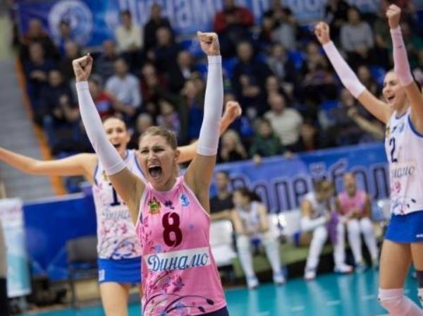Краснодарские «динамочки» вышли в 1/8 Кубка вызова по волейболу
