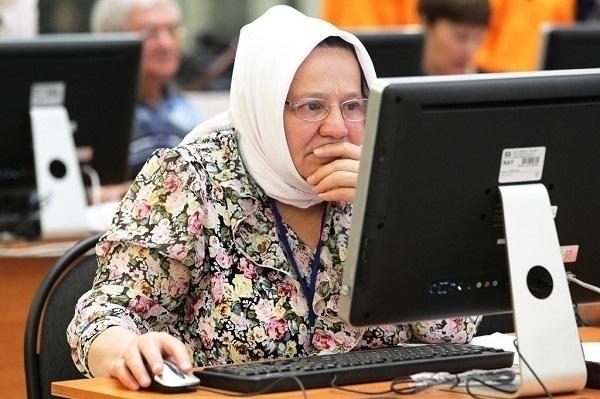 Пенсионеры в Сети: 70-летние юзеры в Краснодаре покоряют Интернет