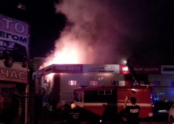 В Краснодаре минувшей ночью произошел крупный пожар