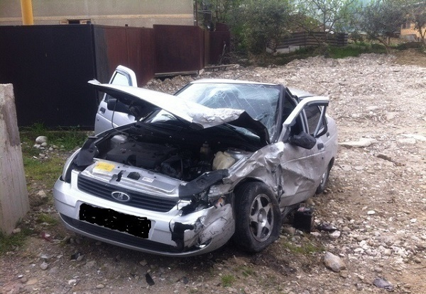 В ДТП в Сочи столкнулись две легковушки, есть пострадавшие