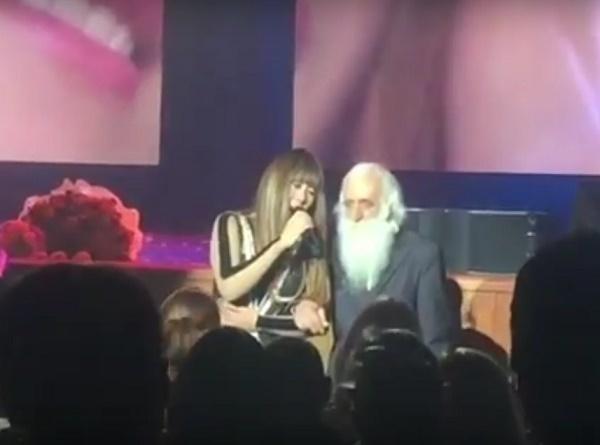 Анита Цой поддержала известного болельщика Краснодара дядю Мишу