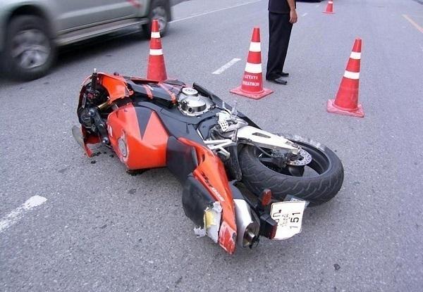 В Краснодаре в ДТП с иномаркой разбился насмерть мотоциклист