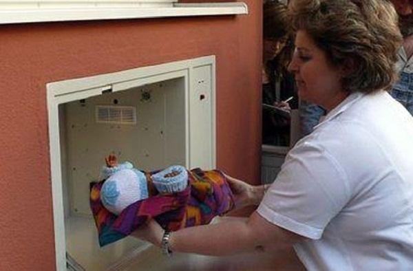 В Краснодаре подбросили младенца в бэби-бокс в канун Нового года