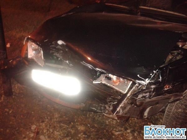 В Краснодаре «Тойота» после столкновения врезалась в знак