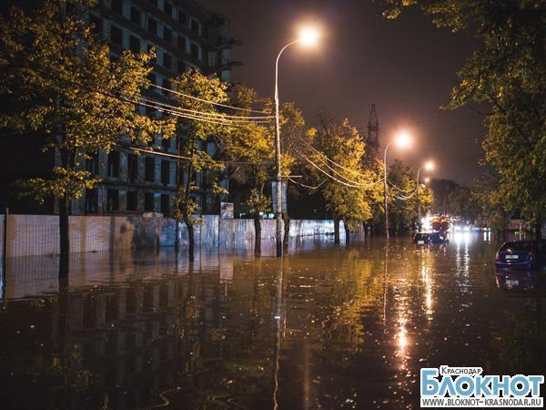В Краснодаре дождь снова затопил несколько улиц