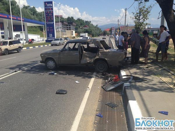 В Адлерском районе автомобиль «ВАЗ» столкнулся с мотоциклистом