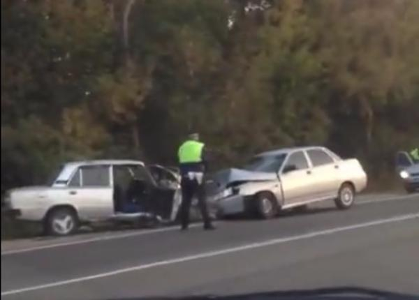На «проклятом месте» на Кубани столкнулись два автомобиля
