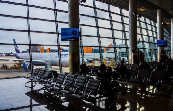 Из-за снегопада ваэропортах столицы задержаны неменее 20 рейсов