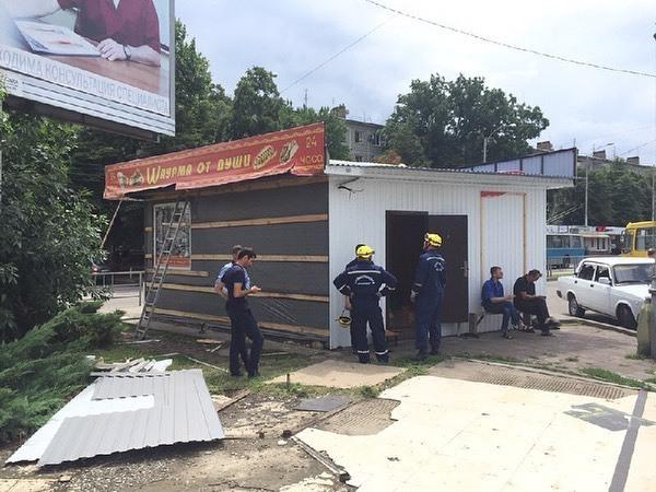 Ларек по продаже шаурмы спустя пять лет снесли в Краснодаре