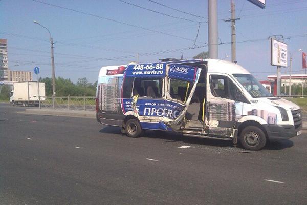 Автобус сбил группу подростков в Краснодаре