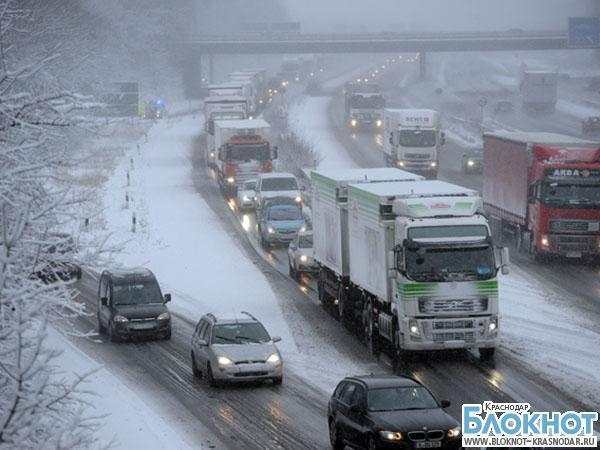 На въезде в Краснодар «застряли» 158 олимпийских автобусов
