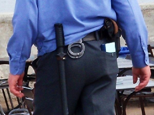 Полицейский избил мужчину в районной больнице в станице Староминской