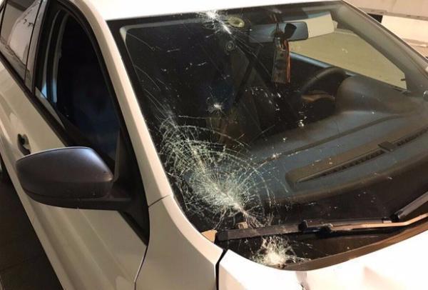 Олимпиада прошла, инфраструктура рушится: в Сочи отделка тоннеля повредила автомобиль