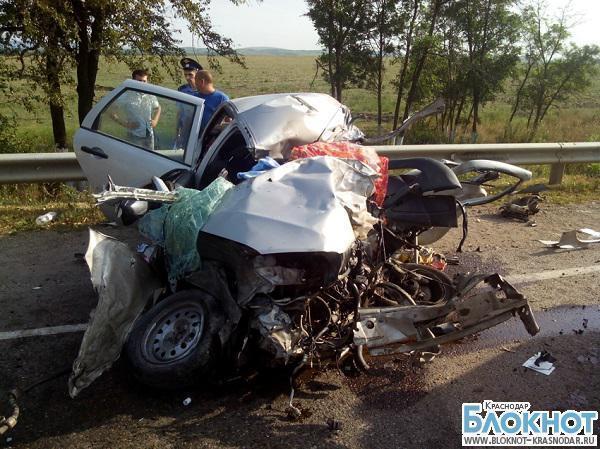 На Кубани из-за столкновения автомобилей «Лада» и «Хово» погибли два человека