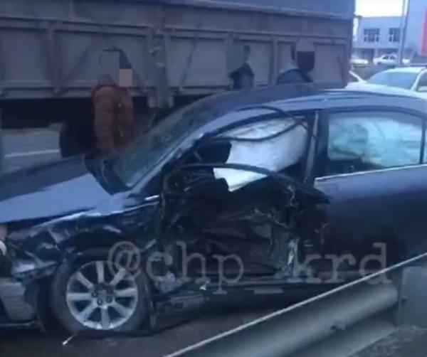 Под Краснодаром столкнулись «Тойота» и «Хендай», есть погибший