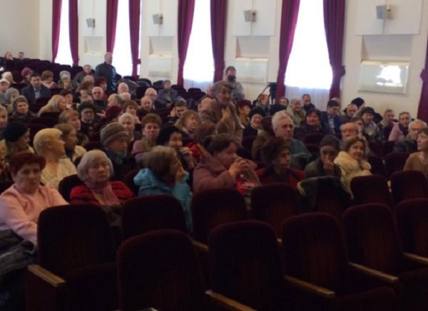Губернатор Кондратьев вернул пенсионерам льготы на проезд
