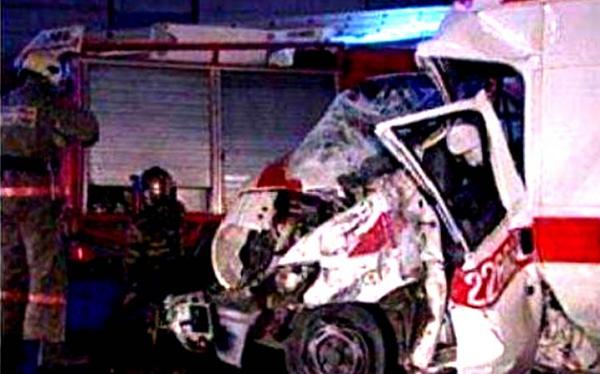 Под Краснодаром грузовик врезался в «скорую», двое погибли
