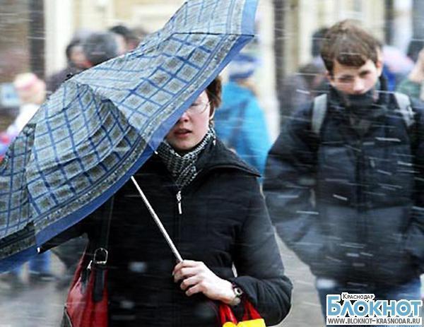 Сильный ветер в Краснодарском крае не стихает