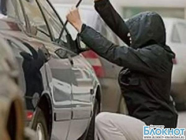 Воры из Апшеронска угоняли автомобили из других районов и перебивали номера