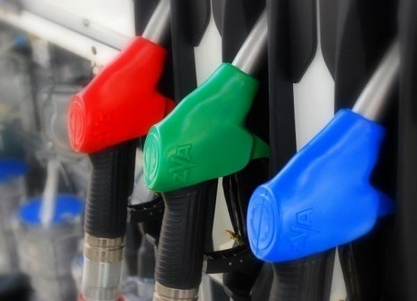 В Краснодаре упали цены на бензин и дизельное топливо
