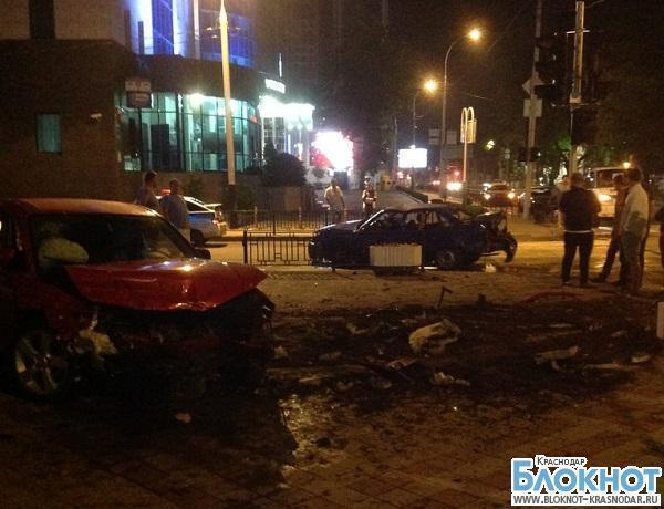 В Краснодаре столкнулось три автомобиля