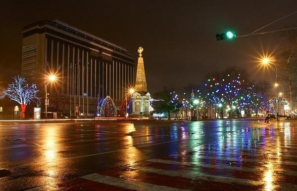 В Краснодаре ограничили движение в районе Театральной площади