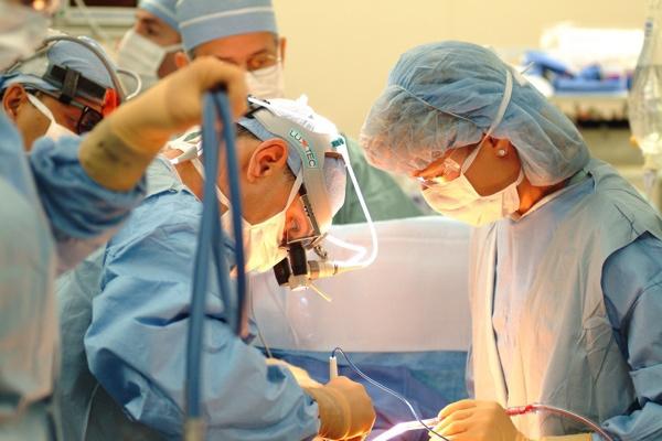 В Краснодаре 14 хирургических операций показали в прямом эфире