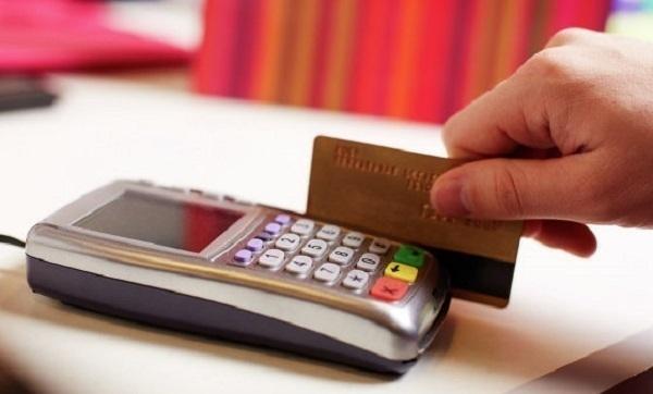 В Темрюкском районе работник банка похитила у своих клиентов 660 тысяч рублей