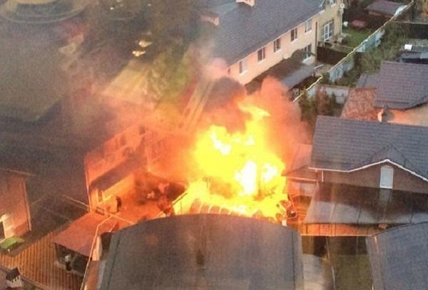 ВКраснодаре загорелись баня и дом