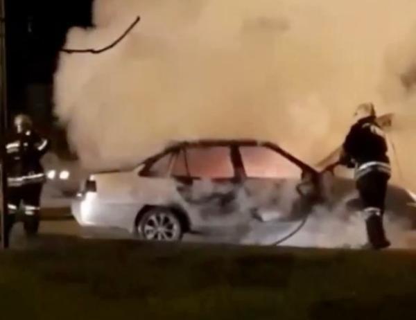 «Протест против цен на бензин»: в Краснодаре возле заправки сгорела машина