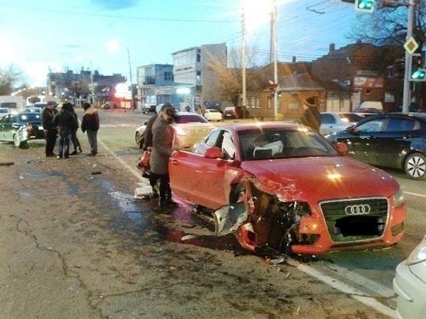 Краснодарский водитель из-за незнания ПДД попал в аварию