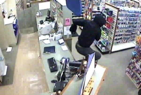 Видео женщину связали на полу скотчем фото 655-219