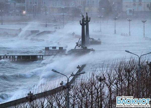 Шторм в Новороссийске оставил без света пять тысяч человек