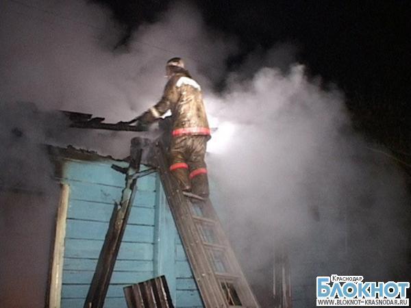 В Анапском районе загорелось нежилое помещение